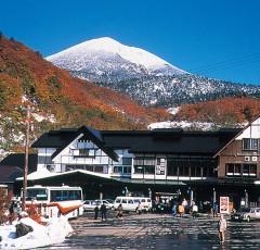 酸ヶ湯温泉と大岳