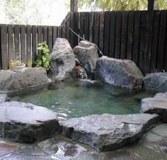 「いろりあん」の露天風呂