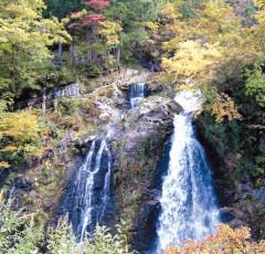 銀山温泉「白銀の滝」
