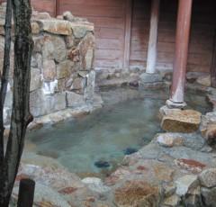 「行基の湯」露天風呂